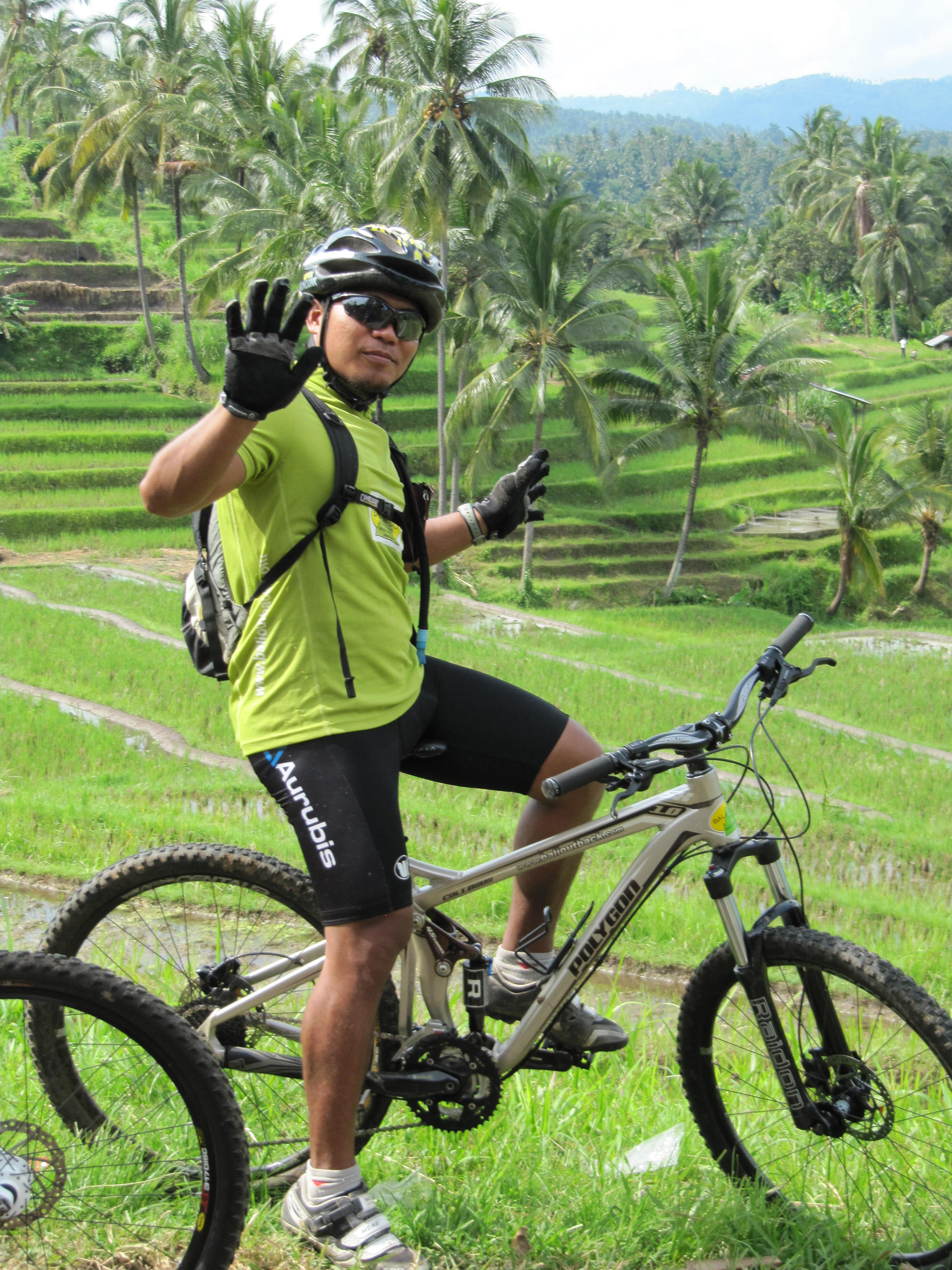 cycle in bali